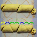 26 シナモンロールかもめ食堂風3成形 合成3*45 8.9x.jpg